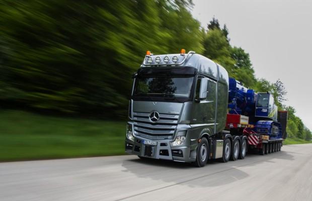 Panorama: Mercedes Actros SLT - Der Bulle von Benz