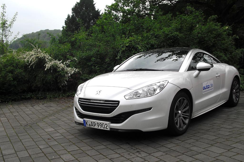Peugeot RCZ: Motormäßig stehen noch zwei Benziner und nun auch der RCZ R zur Wahl.