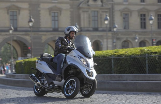 Piaggio mp3 500: Evolution im Dreirad-Kosmos