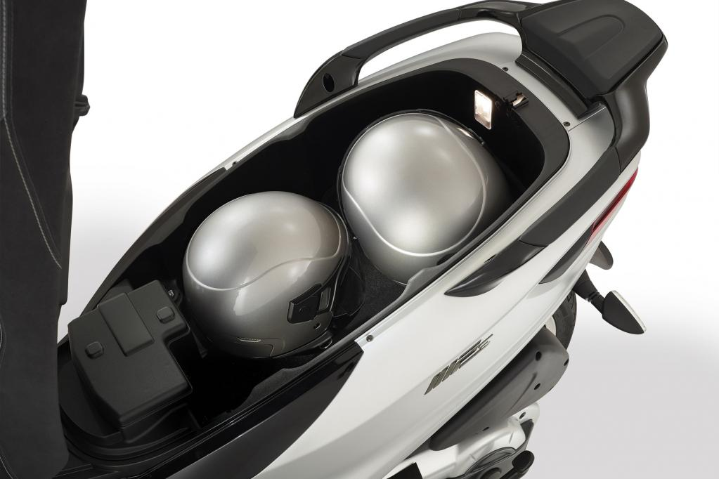 Piaggio mp3 500: Evolution im Dreirad-Kosmos