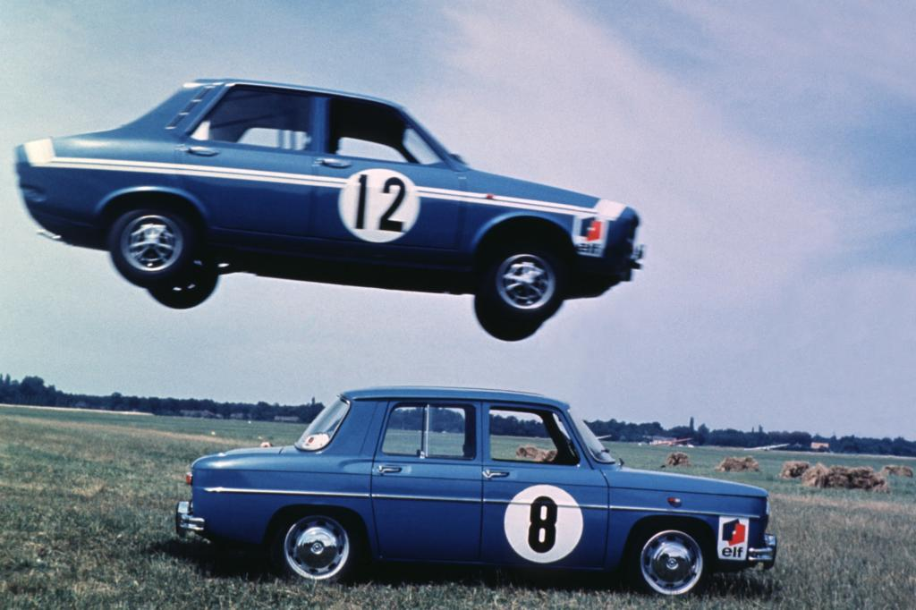 Renault 8 Gordini mit Heckmotor und Renault 12 mit Frontmotor