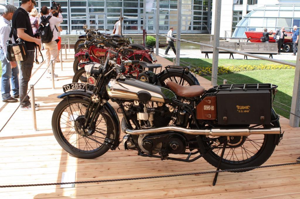 SS 100 heißt dieses Modell des englischen Hersteller Brough Superior von 1926 wegen seiner Höchstgeschwindigkeit von 100 Meilen pro Stunde