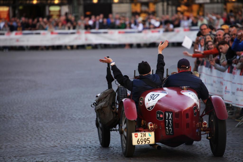 So sieht Freude aus! Team 30 mit ihrem Bugatti T37A Grand Prix