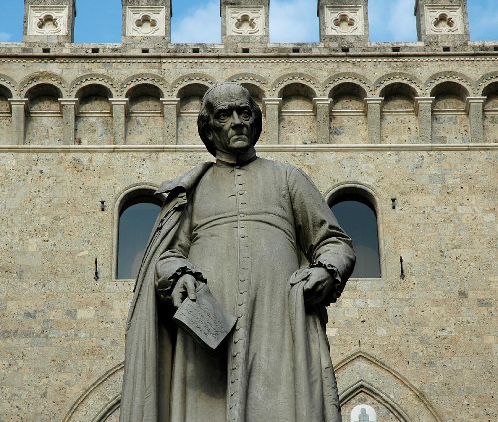 Statue im historischen Zentrum.