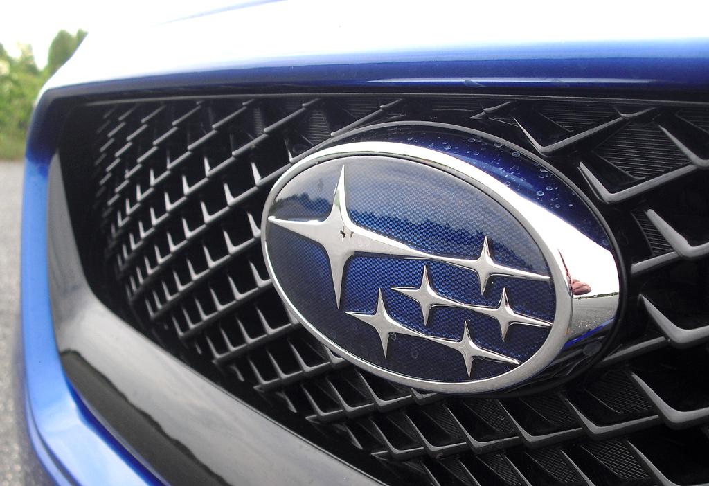 Subaru WRX STI: Das Markenlogo sitzt vorn mittig im Kühlergrill.