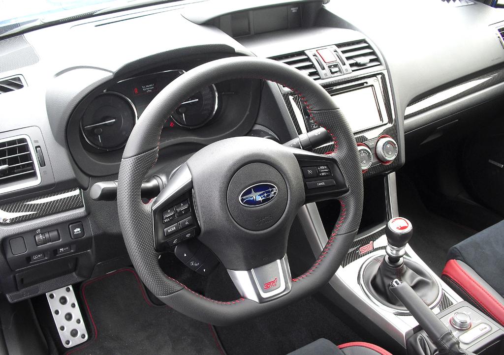 Subaru WRX STI: In die Außenspiegel sind größere Blinkblöcke integriert.