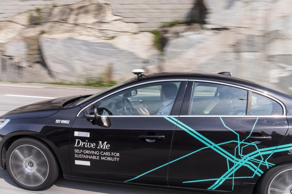 Technisch ist autonomes Fahren schon heute machbar.