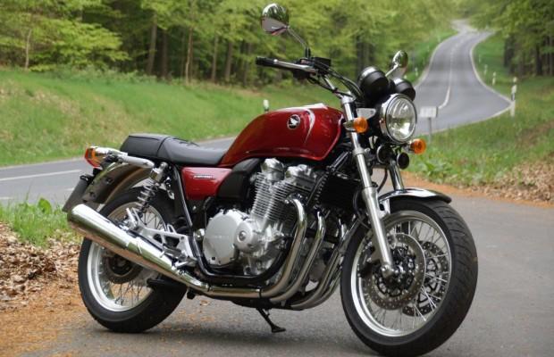 Test Honda CB 1100 EX - Zeitreise mit Sicherheit und Komfort