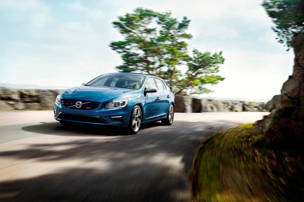 Volvo bietet den V60 Plug-in-Hybrid nun auch im R-Design an