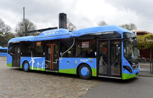 Volvo liefert drei Plug-in-Hybridbusse an die Hamburger Hochbahn