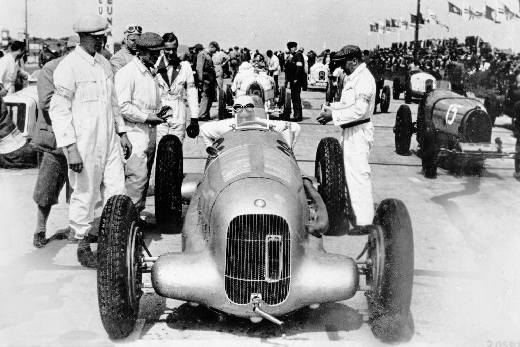 Vor 80 Jahren: Der Mercedes-Silberpfeil wird geboren