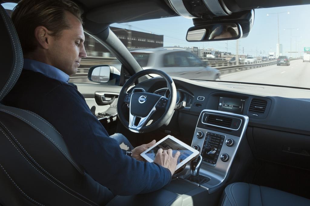 Wenn sich Fahrzeuge autonom, also ohne Hilfe des Fahrers, durch die City bewegen könnten, hätte dies viele Vorteile.