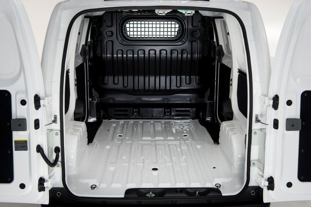 Erste Fahrt im Elektrotransporter Nissan e-NV 200 - Ladegut für Umweltzonen