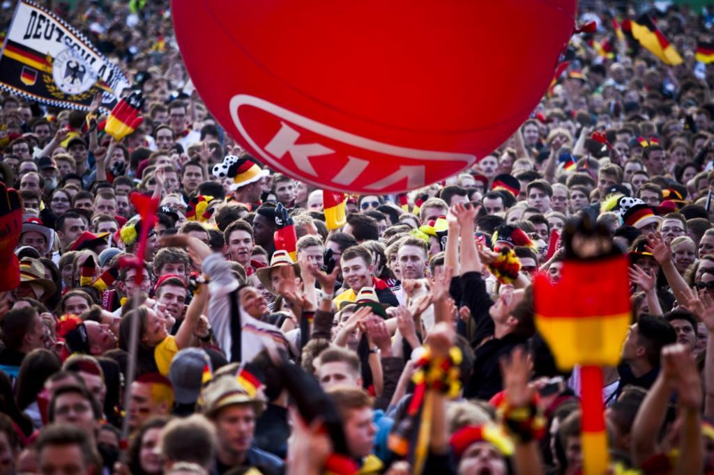 Auto und Fußball - Zur WM besonders verbunden