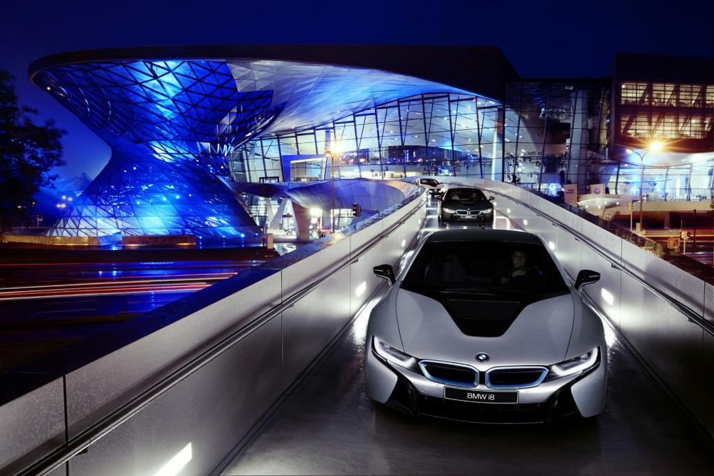 BMW i8: Präsentation auf großer Bühne