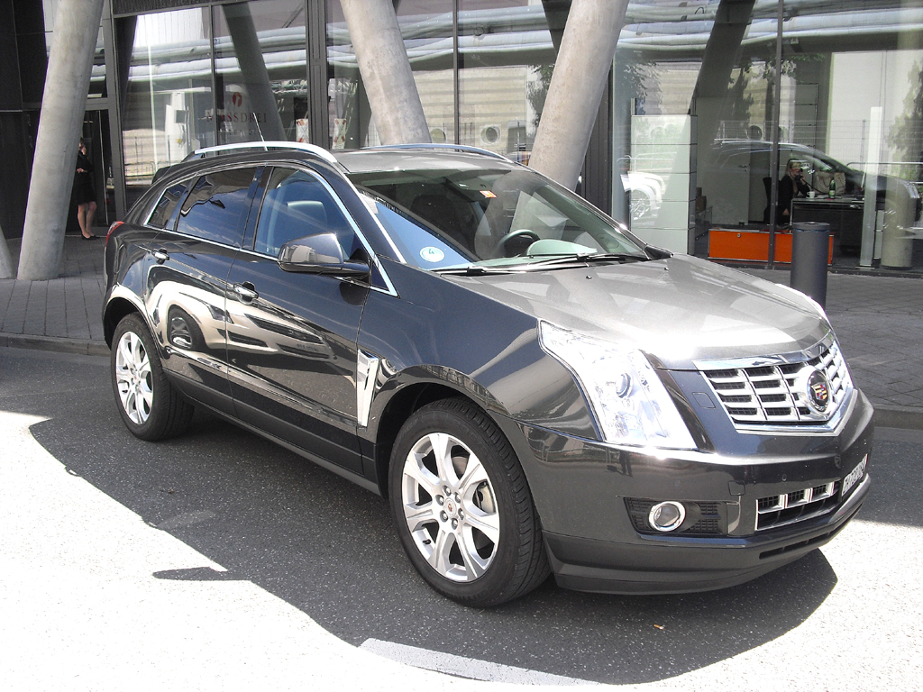 Bei der Roadshow dabei: Cadillac-Crossovermodell SRX.