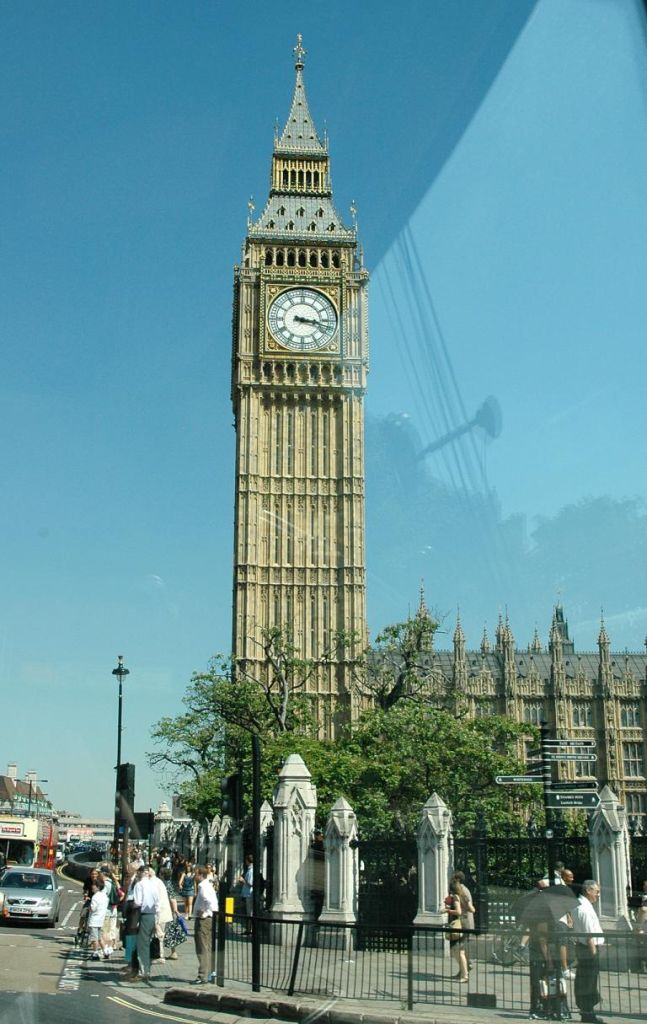 Berühmter Glockenturm: Big Ben bei den Parlamentsgebäuden.