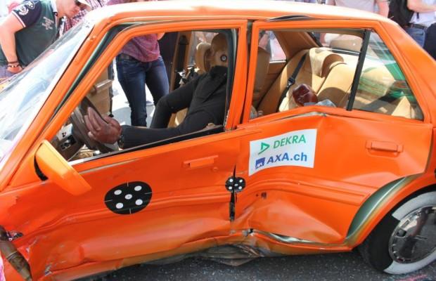 Crashtest mit alten Autos - Großer Sicherheitsgewinn seit den Achtzigern