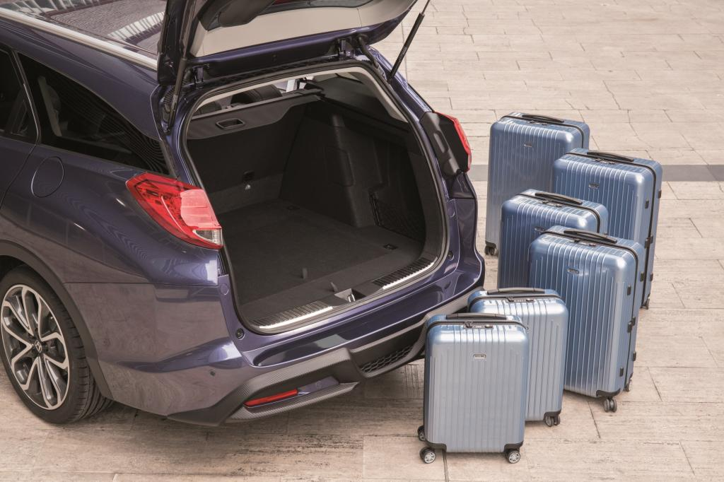 Der Gepäckraum ist extrem geräumig