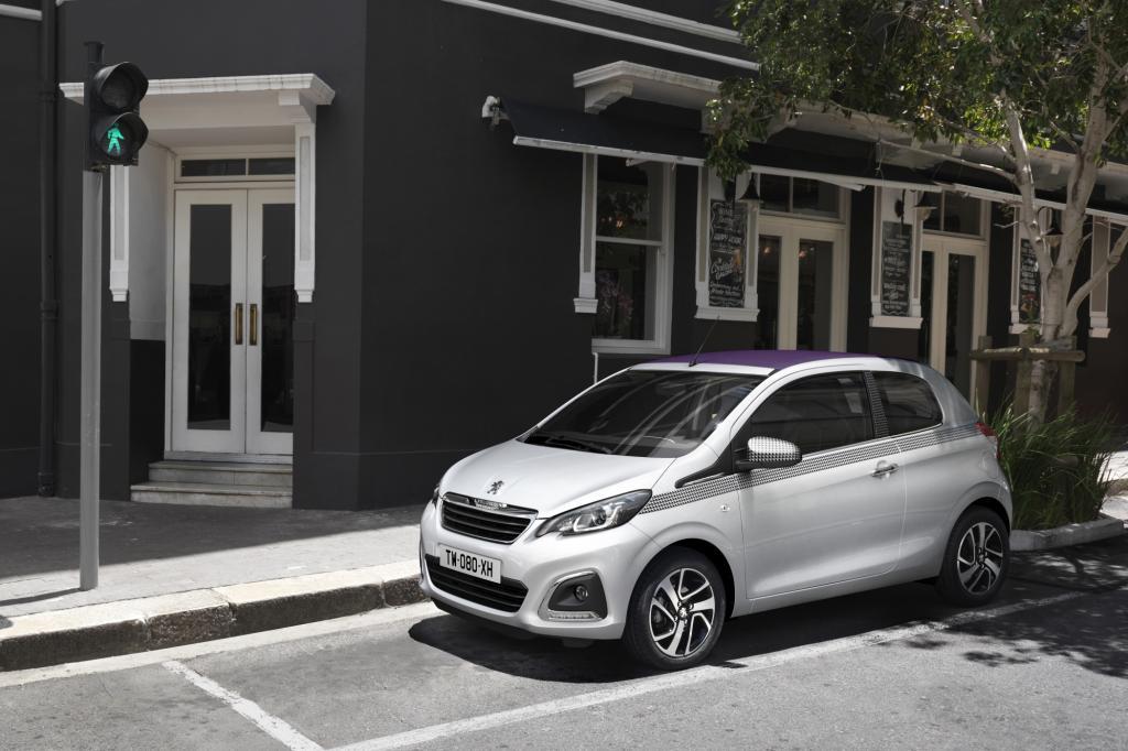 Der Peugeot 108 will die junge oder junggebliebene Kundschaft mit verschiedenen Dekors und Zweifarblackierungen locken