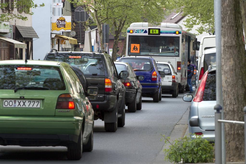 Dobrindts Prophezeiungen: Der Verkehr wächst