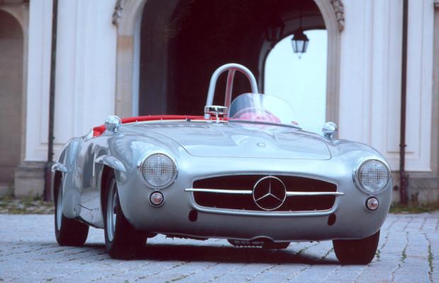 Ellen Lohr fährt für Mercedes-Benz bei der