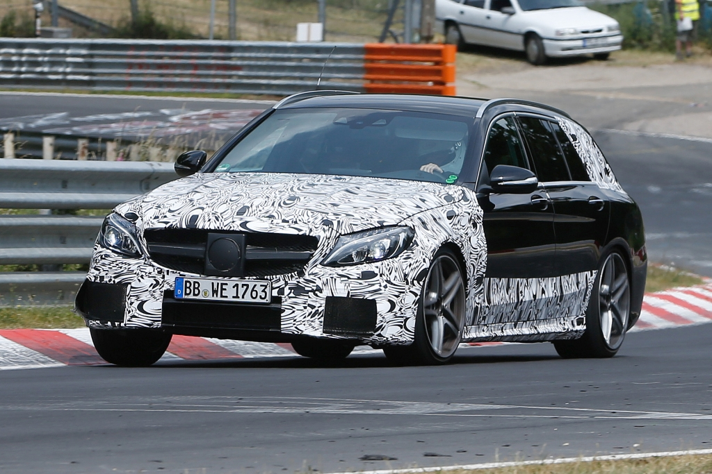 Erwischt: Erlkönig Mercedes C 63 AMG Kombi
