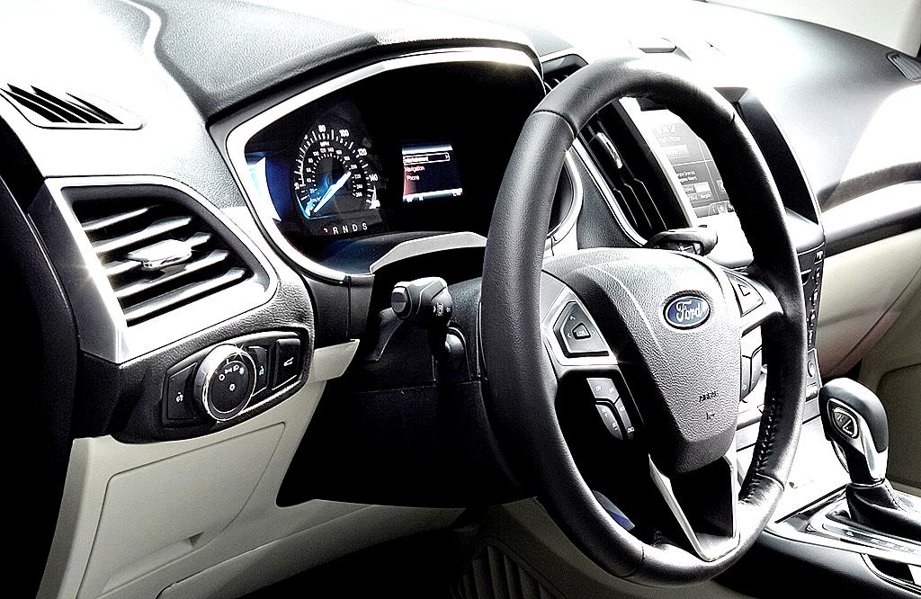 Im Inneren des Premium-SUV geht es wertiger zu.