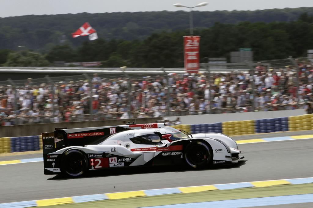 Kampf um die Spitze - Le Mans zeigt seine ganze Härte