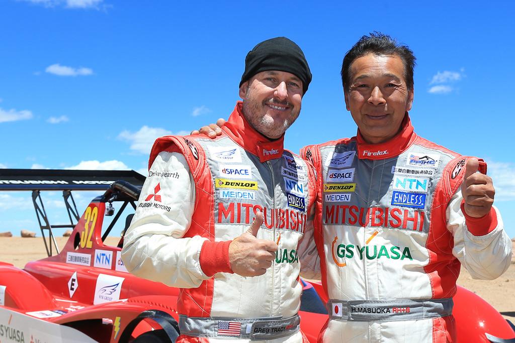 Mitsubishi feiert Doppelsieg am Pikes Peak