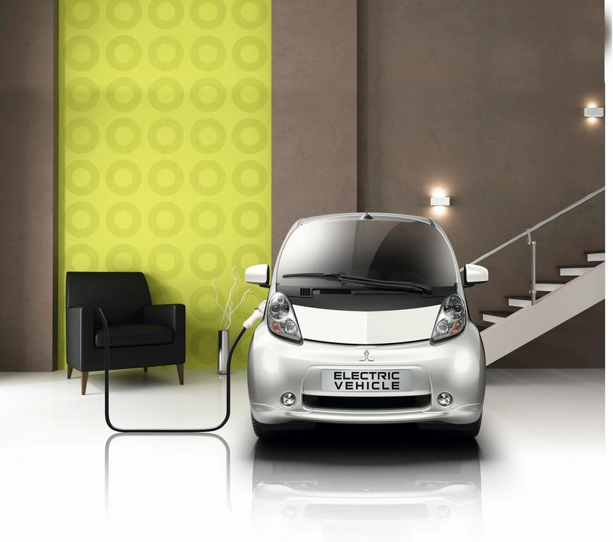 Mitsubishi zeigt EV als Stromspeicher