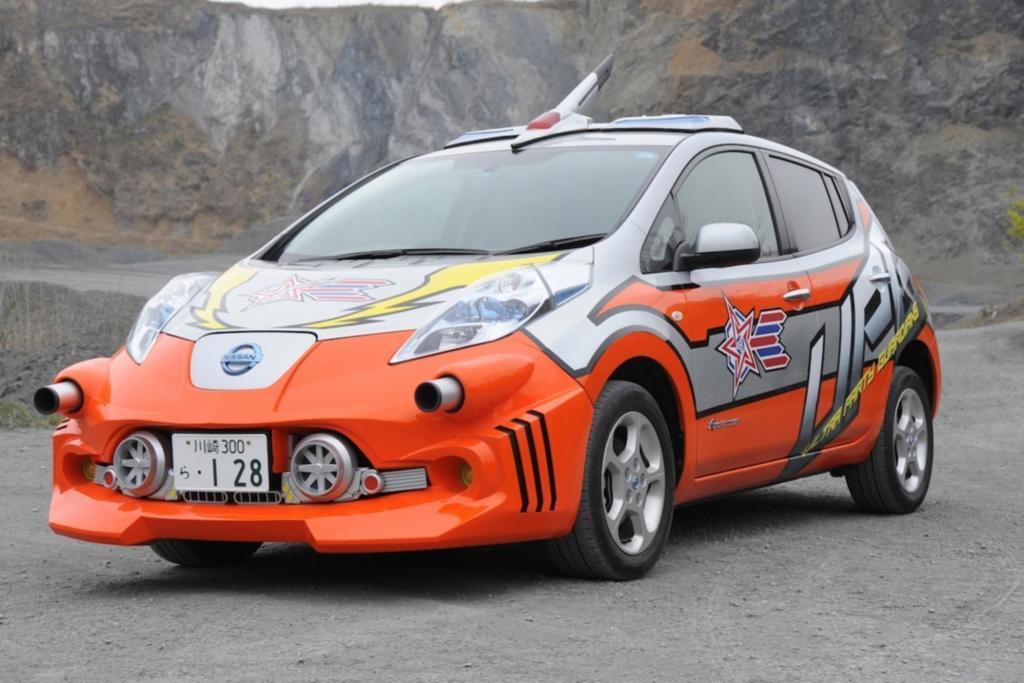 Nissan Leaf für Superhelden - Mit Bordkanonen gegen Aliens