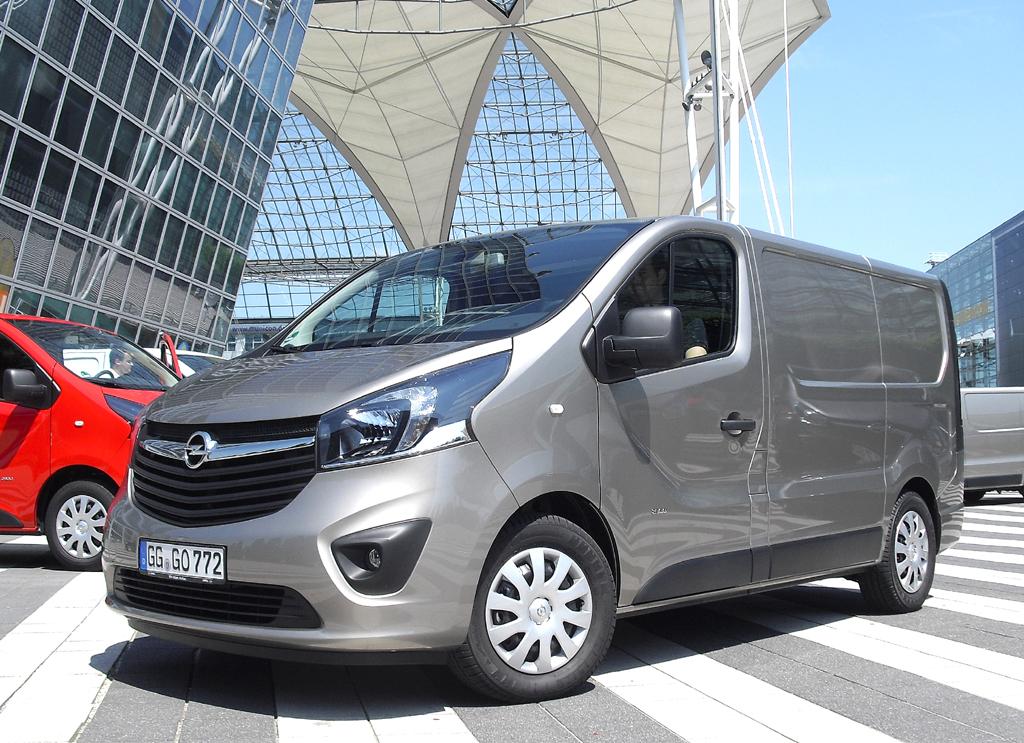 Opel Vivaro: Das Äußere leitet sich aus der mit dem Insignia begründeten Designpilosophie ab.