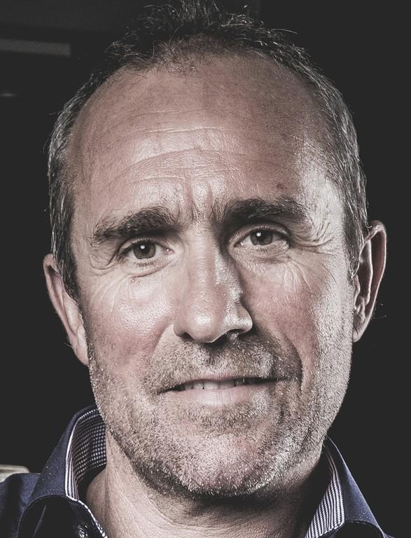 Peterhansel fährt für Peugeot