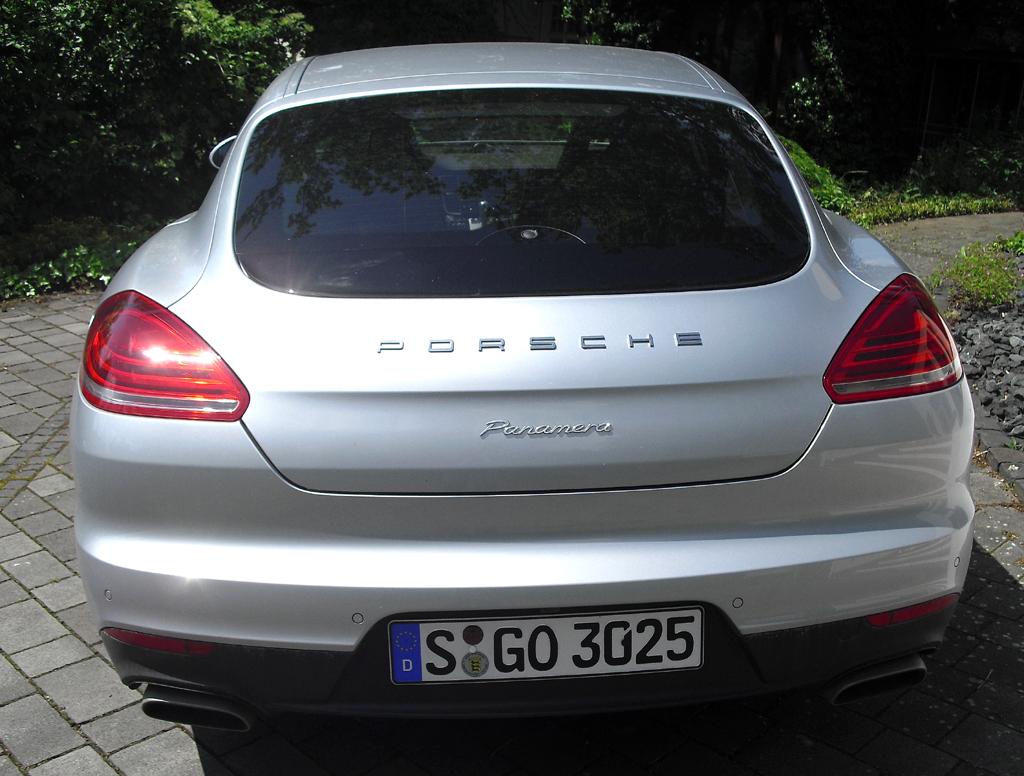 Porsche Panamera: Blick auf die Heckpartie.