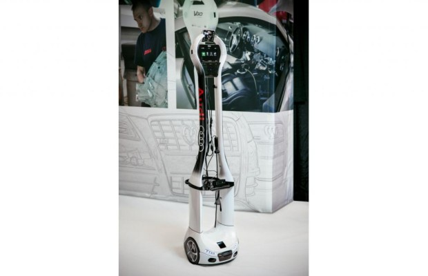 Roboter für die Autowerkstatt - Audi lässt die Maschine an die Maschine