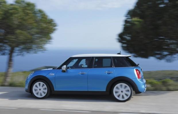 Sieht aus wie ein Mini, hat aber fünf Türen: Die BMW-Tochter hat ihrer Kleinwagen-Familie einen weiteren Spross hinzugefügt