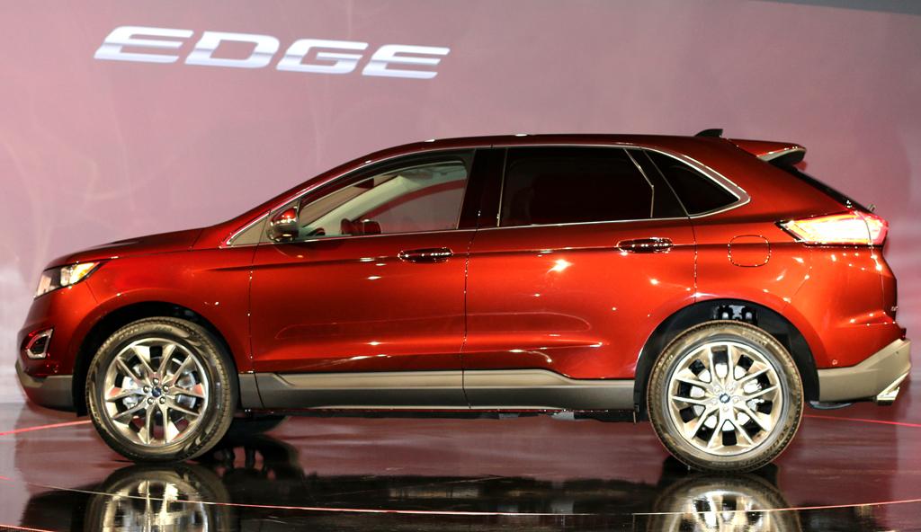 So sieht das bei uns neue Ford-SUV-Spitzenmodell von der Seite aus.