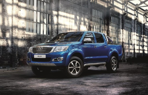 Toyota Hilux Invincible - Mit Extra-Chrom