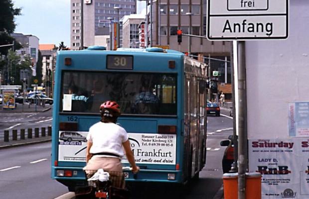 Verkehrsunternehmen empören sich über Elektroautos