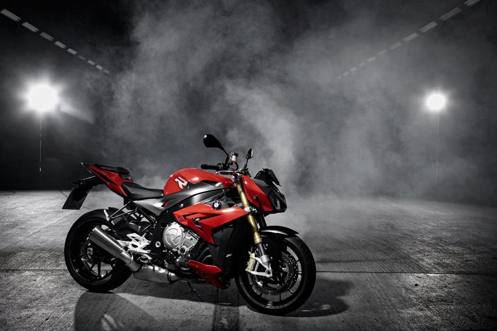 Wer beim Thema BMW-Motorrad nur an zweizylindrige Boxer denkt, verpasst einiges.