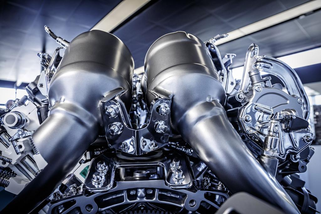 AMG 4,0-Liter-V8 für den GT: Biturbo im heißem Innen-V