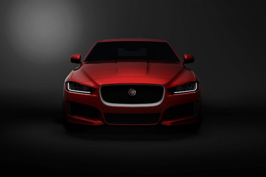 Anfang September zeigt Jaguar das neue Mittelklasse-Modell XE - hier ein vorab veröffentlichtes Teaser-Bild