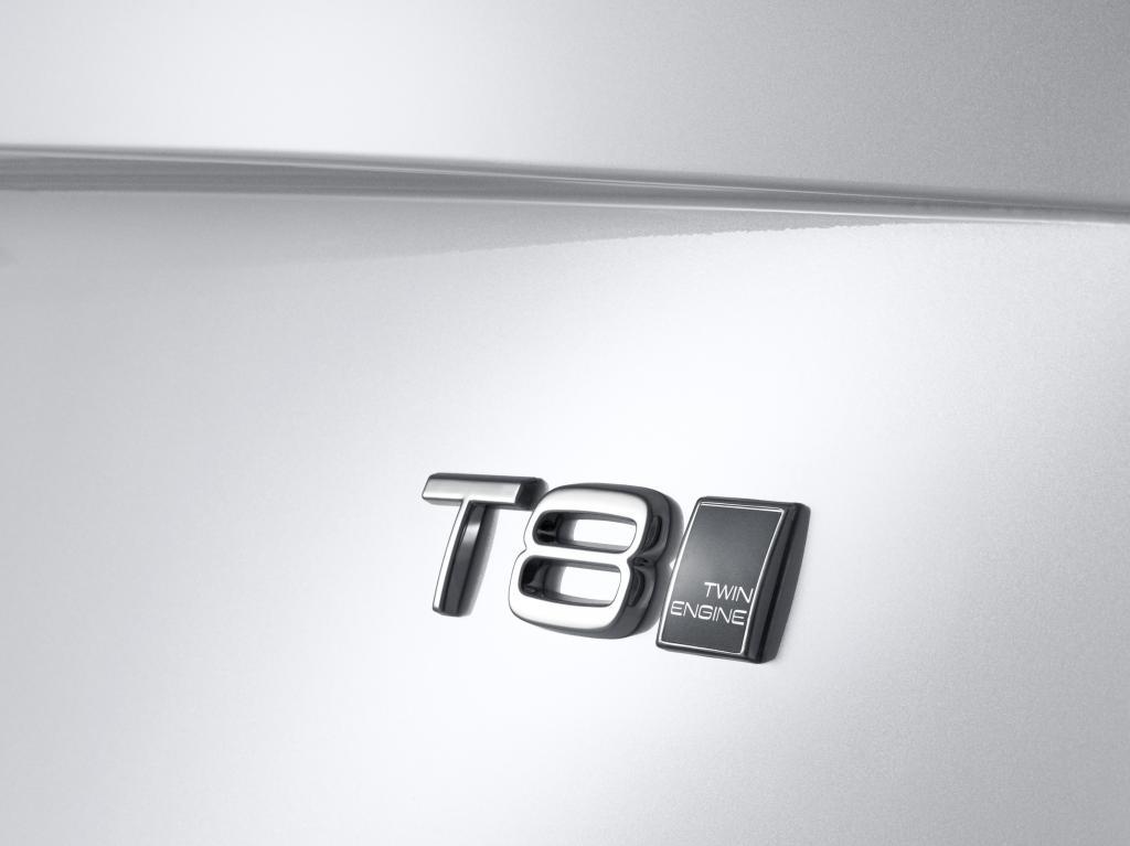 Anstelle eines V8, den es in der bisherigen Generation des XC90 gab, tritt nun der stärkere Plug-in-Hybrid als Top-Motorisierung, T8 genannt