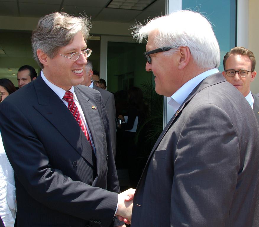 Außenminister Steinmeier besucht Schaeffler in Mexiko