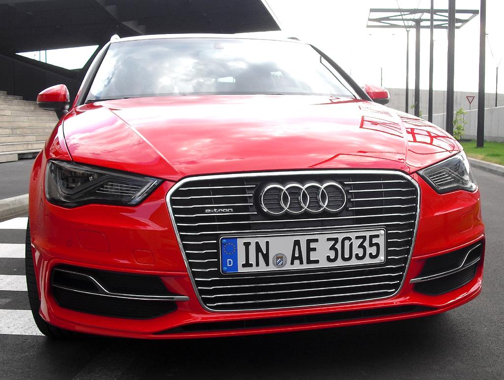 Audi A3 Sportback e-tron: Blick auf die Frontpartie.