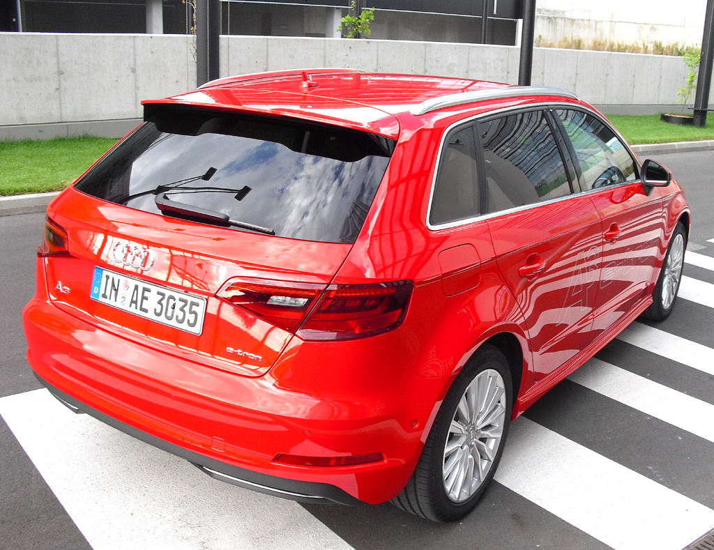 Audi A3 Sportback e-tron: Blick auf die Heckpartie.
