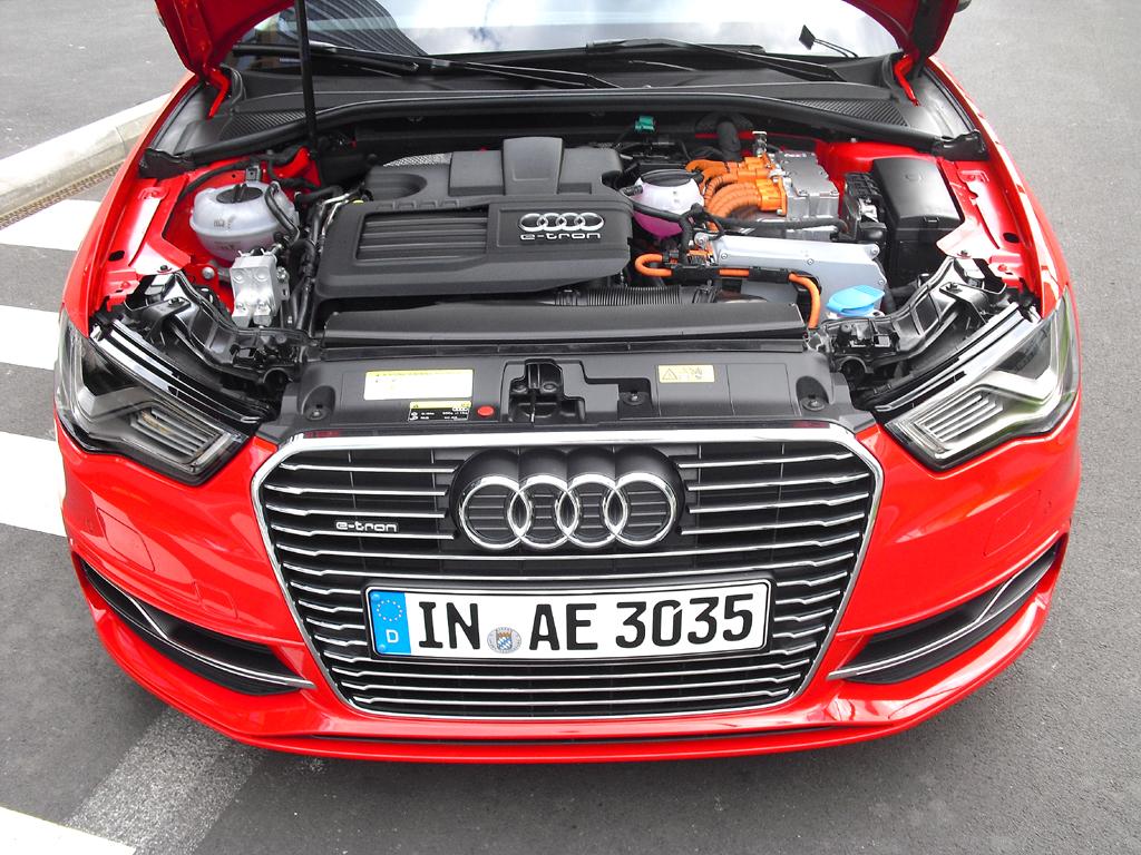 Audi A3 Sportback e-tron: Blick unter die Haube auf den 1,4-Liter-Turbobenziner.