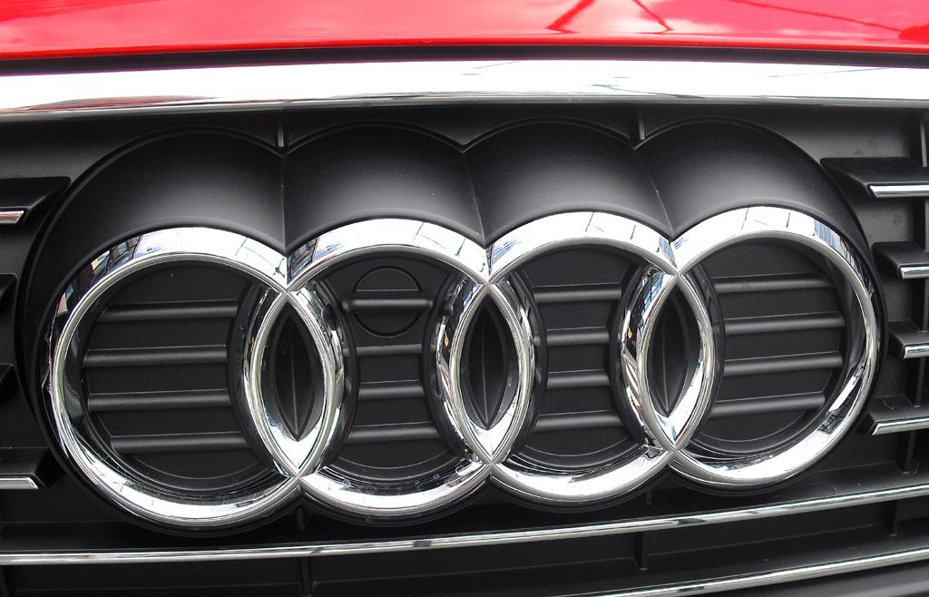 Audi A3 Sportback e-tron: Die vier Markenringe sitzen vorn im Kühlergrill.