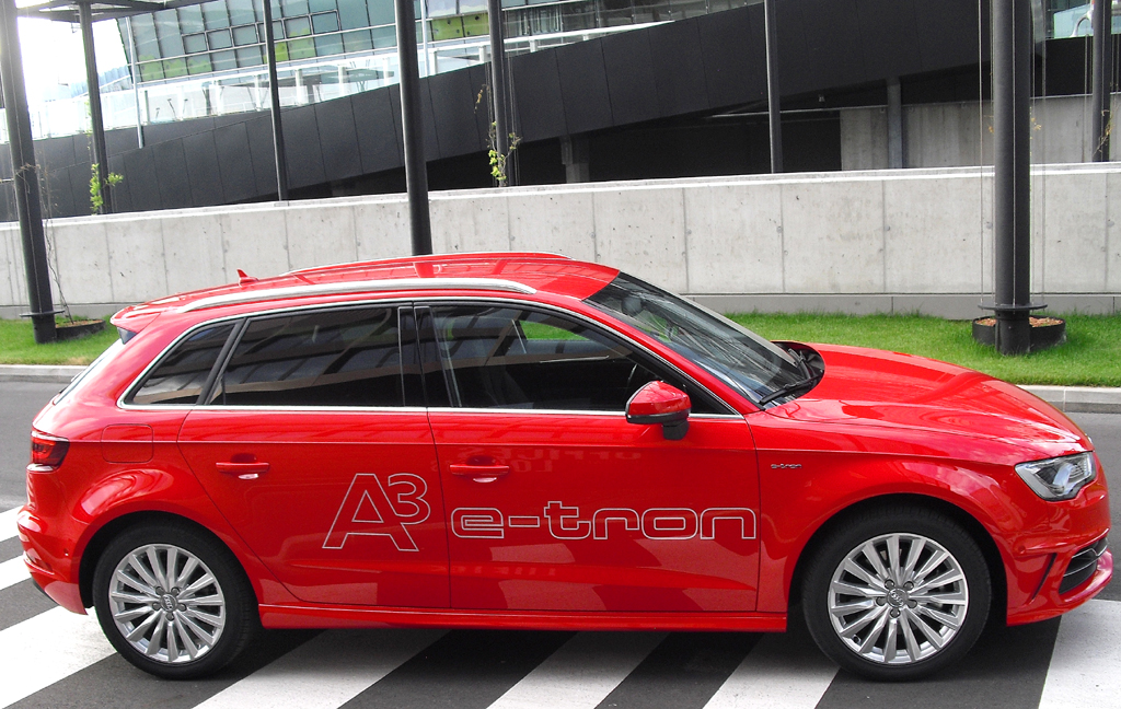 Audi A3 Sportback e-tron: So sieht das Premim-Kompaktmodell von der Seite aus.